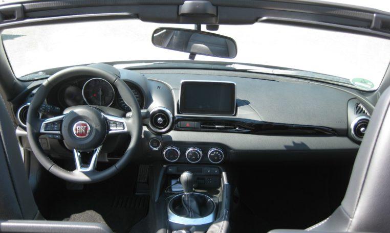 Fiat 124 Spider weiß
