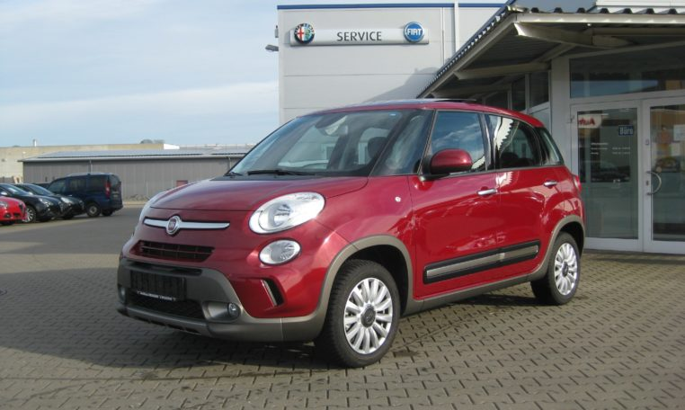 Fiat 500L Amore Rot
