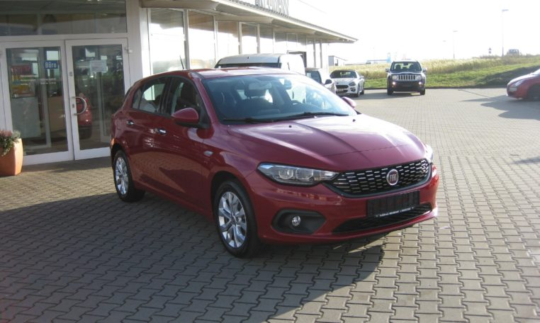 Fiat Tipo Amore Rot