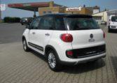 Fiat 500L Trekking weiß Ansicht hinten links