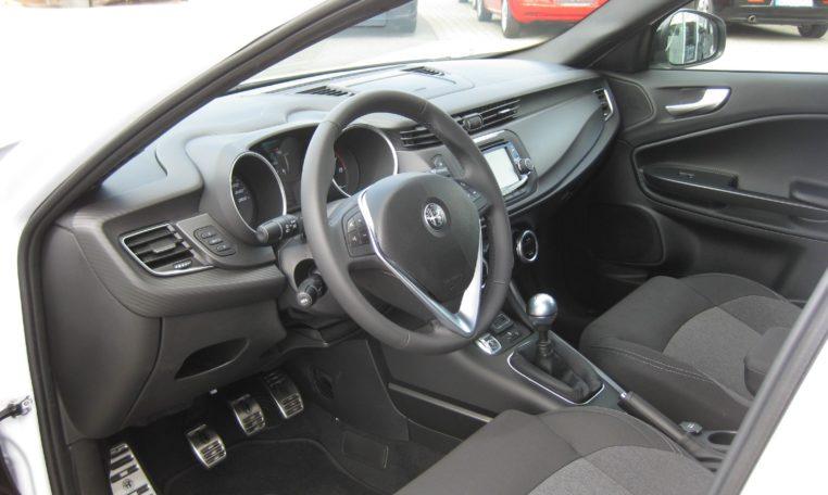 Alfa Giulietta Sport weiß Vfw 6