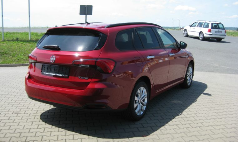 Fiat Tipo Kombi Easy Amore Rot 3