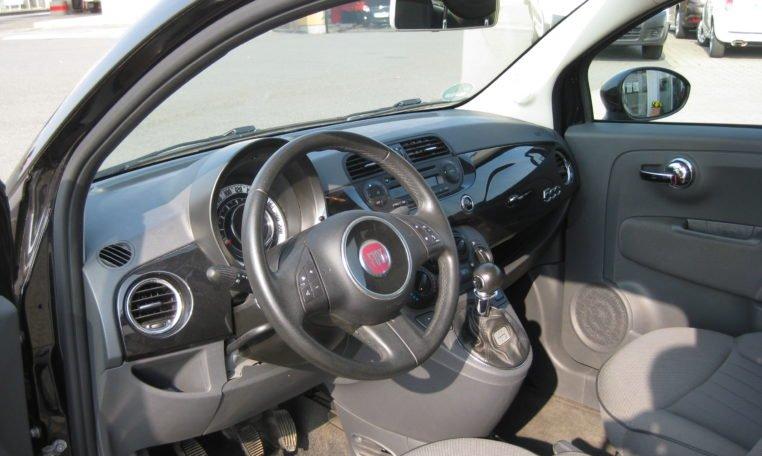 Fiat 500 Lounge schwarz Met 5