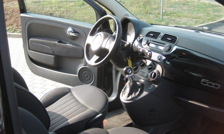 Fiat 500 Lounge schwarz Met 6