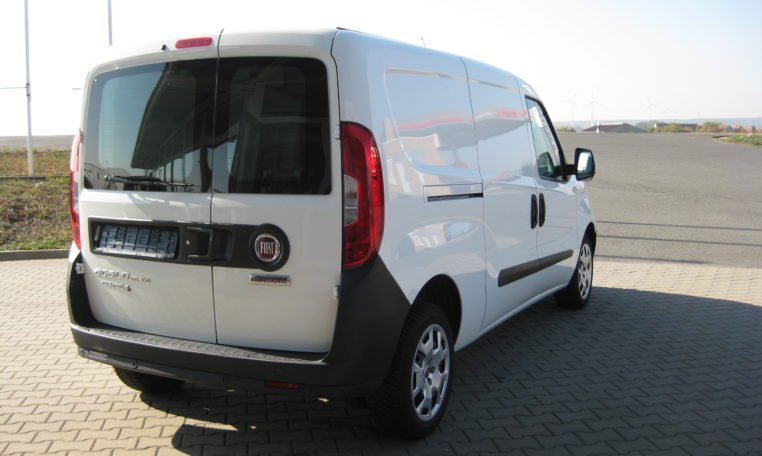 Fiat Doblo Cargo Maxi weiß 3