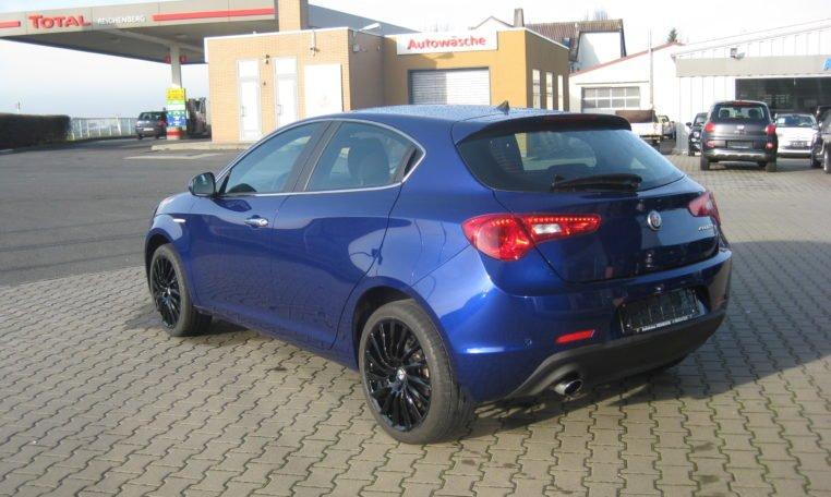 Alfa Giulietta Super blau 4