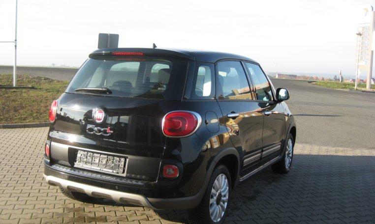 Fiat 500L Trekking schwarz 3