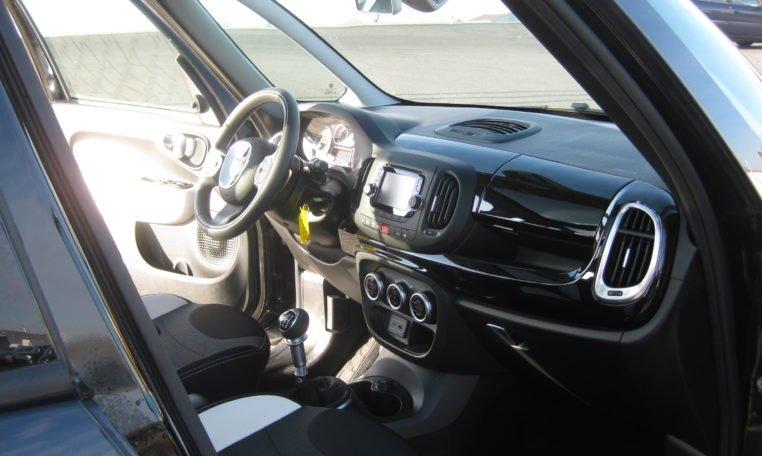 Fiat 500L Trekking schwarz 7